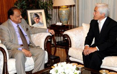 President lauds role of APO for Pakistan